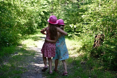 Petites filles amies